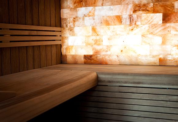 Sauna met zoutwand